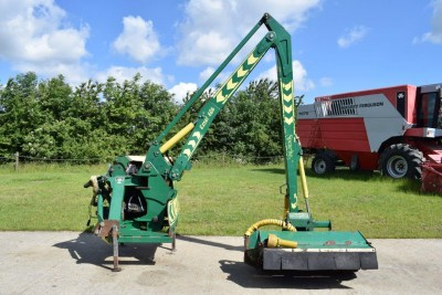 SPEARHEAD Excel 686 Hedgecutter