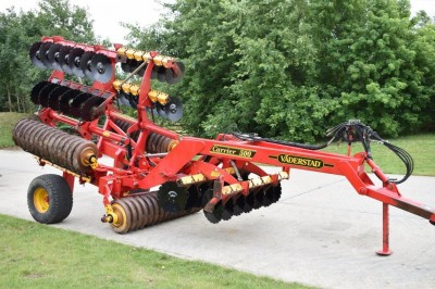 VADERSTAD 5m Carrier C/w Optional Tines & Levellers