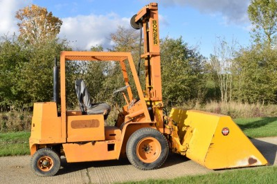 MISC-AG Bonser 2.5t Forklift C/w Bucket & Tines (see Video)