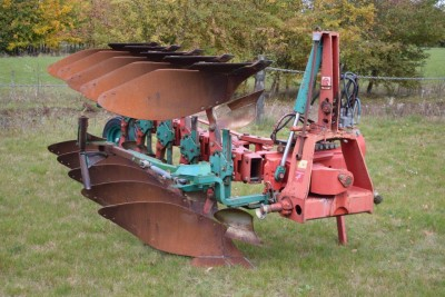 KVERNELAND Ld85 240 5 Furrow C/w Late Type Wheel