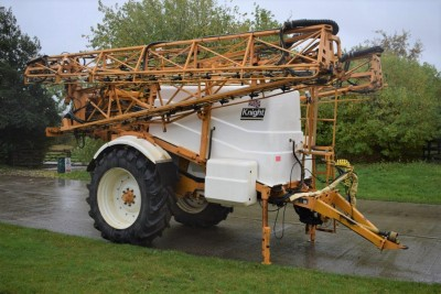 KNIGHT Eua 3800l 32m Trailed Sprayer